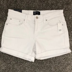 "NEW!!  Gap Denim 5"" Short - Size 28 Regular (6)"